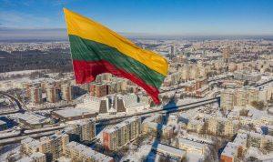Навіщо купувати землю і нерухомість в Литві